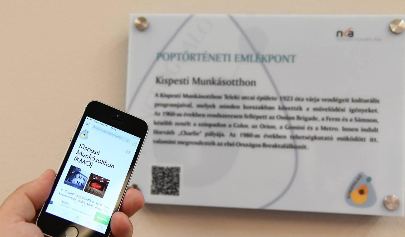 Fotó: KMO. Ne kérdezzétek, miért a tábla vesztetta telefonnal szemben az élsességért folytatott küzdelemben...